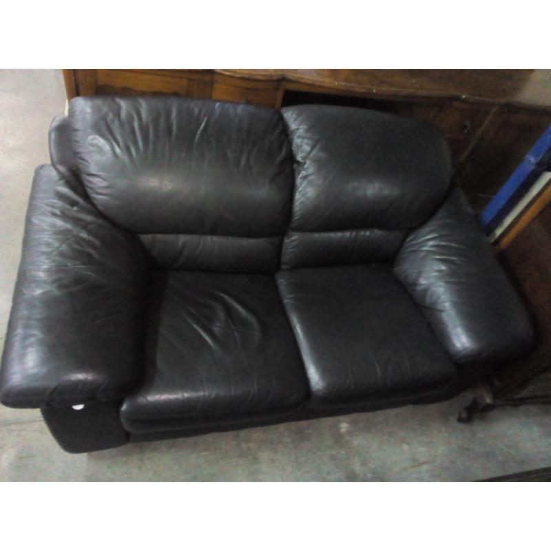 Sofa preto de couro 2 lugares