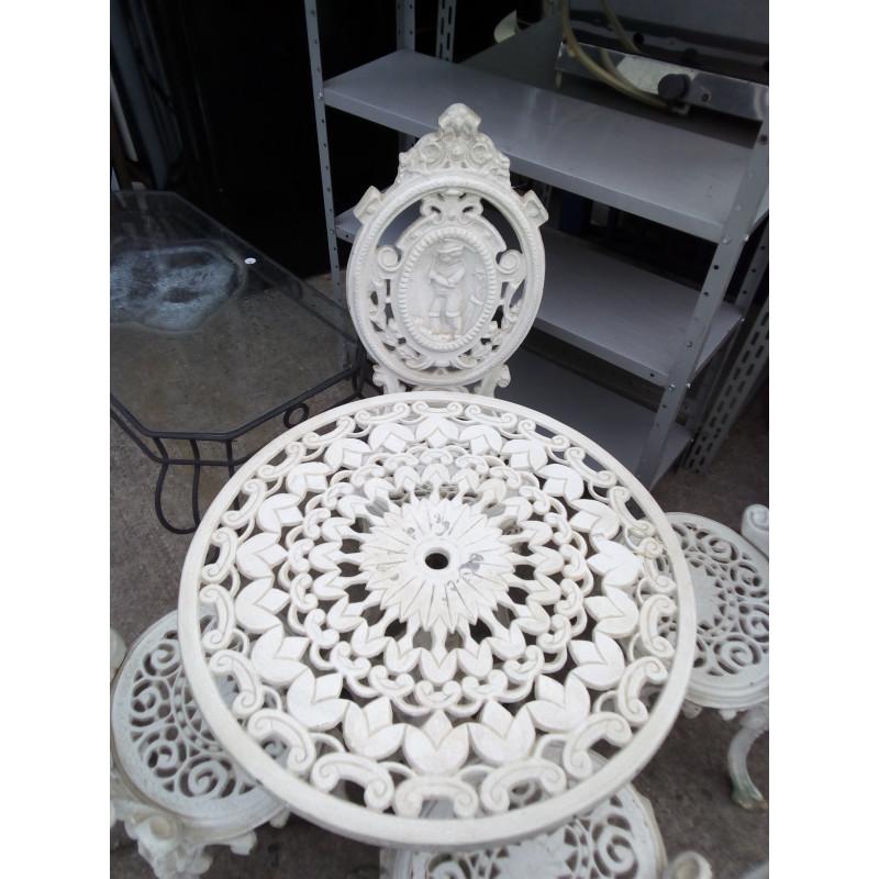 Conjunto de Mesa e Cadeiras de Jardim