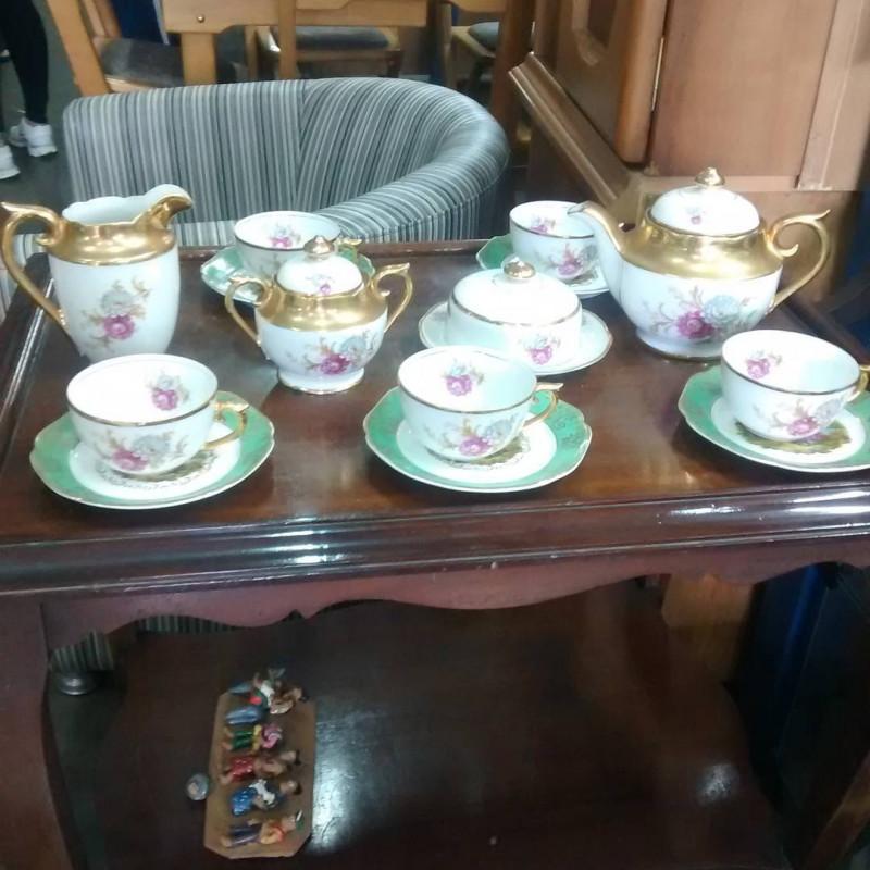 Aparelho de chá de porcelana Mauá